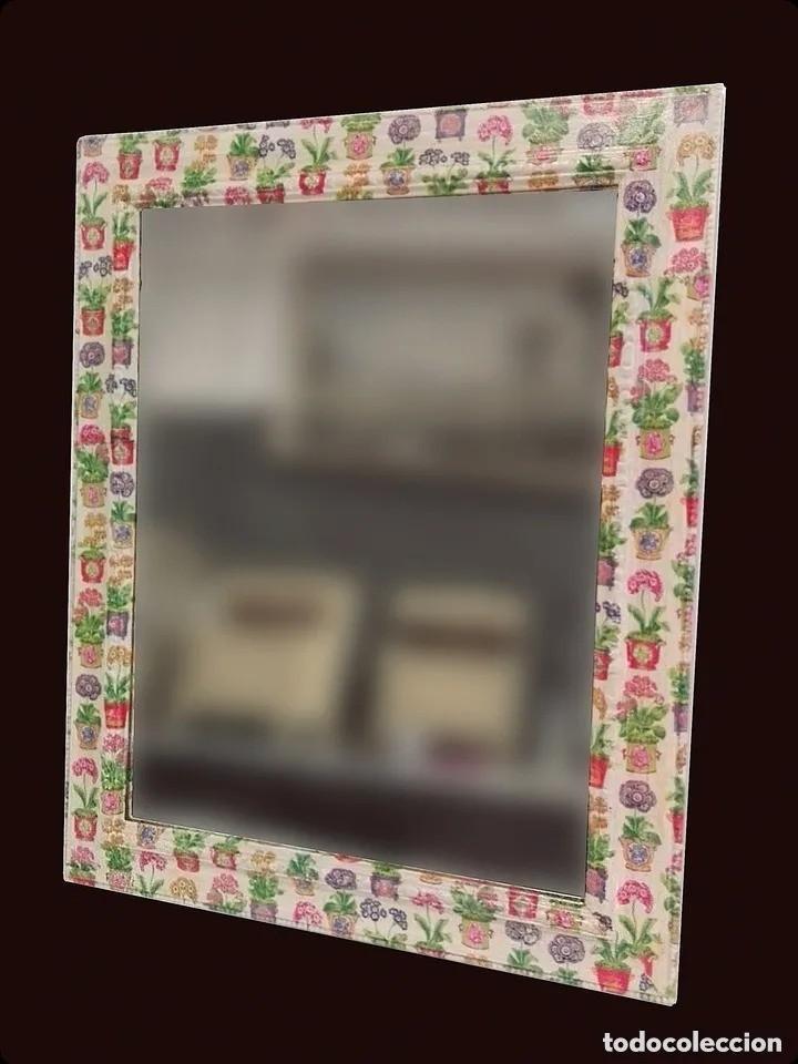 Antigüedades: Espejo decorado con motivos florales, macetas, ideal. 73x59cm - Foto 2 - 195395552