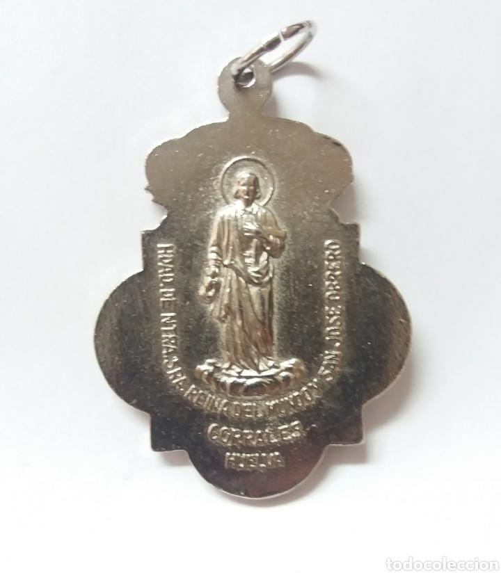 Antigüedades: MEDALLA HDAD DE NTRA SRA REINA DEL MUNDO Y SAN JOSE OBRERO, CORRALES HUELVA - Foto 2 - 195399970
