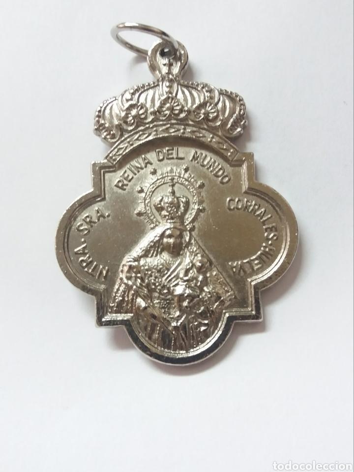 MEDALLA HDAD DE NTRA SRA REINA DEL MUNDO Y SAN JOSE OBRERO, CORRALES HUELVA (Antigüedades - Religiosas - Medallas Antiguas)