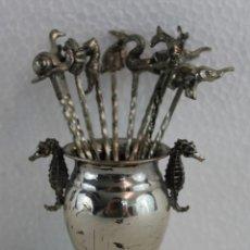 Antigüedades: JUEGO DE 10 PINCHOS PARA APERITIVO EN PLATA DE LEY CONTRASTADA - MEDIADOS DEL SIGLO XX. Lote 195406845