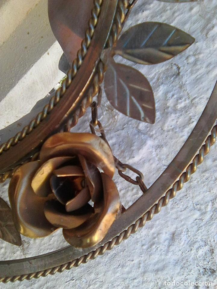 Antigüedades: Espejo redondo de latón dorado con rosas - Foto 2 - 195408440