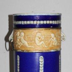Antigüedades: PARAGUERO BASTONERO MODERNISTA EN CERÁMICA ESMALTADA - NIÑOS JUGANDO - PRINCIPIOS DEL SIGLO XX. Lote 195414348