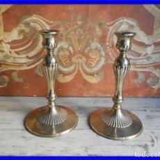 Antigüedades: CANDELEROS DE ALPACA MUY BONITOS EN PERFECTO ESTADO. Lote 195431965