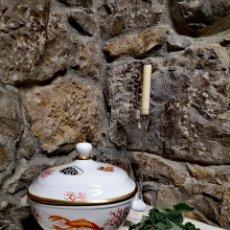 Antigüedades: SOPERA PORCELANA DE LIMOGES PINTADA A MANO. Lote 195435621