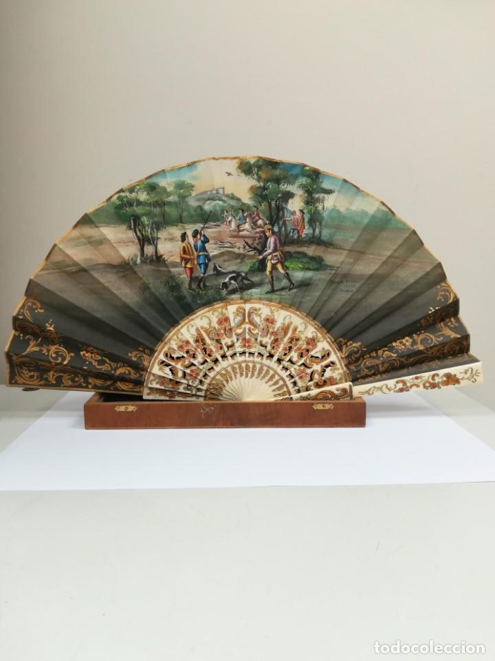 PRECIOSO ABANICO VARILLAS MARFIL O HUESO ESCENA DE GOYA FIRMA PORTA (Antigüedades - Moda - Abanicos Antiguos)
