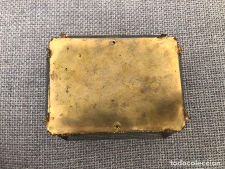 Antigüedades: Antiguo y gran joyero isabelino de gran tamaño con cristales biselados y capitoné. S.XIX. - Foto 7 - 195455390