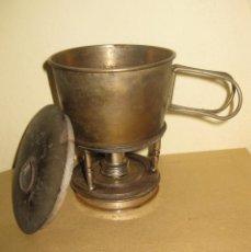 Antigüedades: CURIOSO ANTIGUO HORNILLO FOGON METALICO CON TAZA . PLEGABLE MADE IN GERMANY USO MILITAR?. Lote 195473270