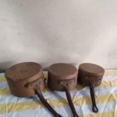 Antigüedades: CONJUNTO DE 3 CAZOS DE COBRE SIGLO XIX. Lote 195478376