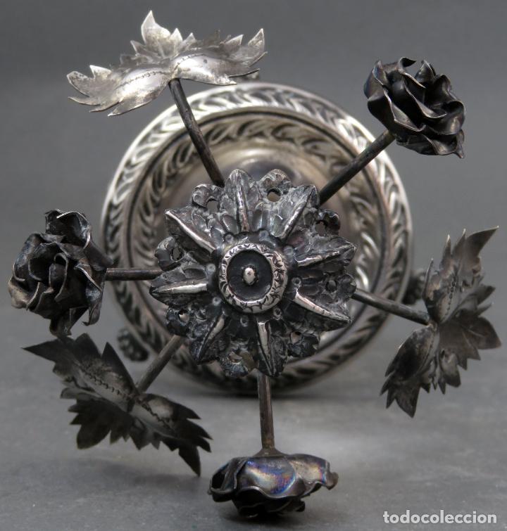 Antigüedades: Palillero Imperio de plata en forma de violetero con flores siglo XIX - Foto 6 - 195478668