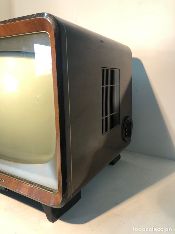 Antigüedades: TELEVISION ANTIGUA PHILIPS 7 TD 210 A-08, AÑO 1958. - Foto 2 - 195485963
