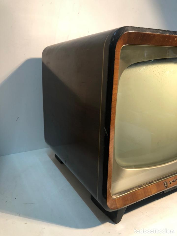 Antigüedades: TELEVISION ANTIGUA PHILIPS 7 TD 210 A-08, AÑO 1958. - Foto 3 - 195485963