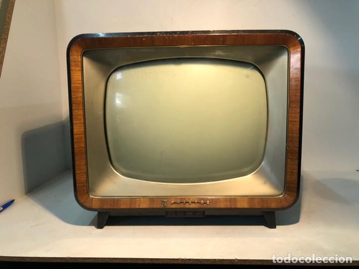 TELEVISION ANTIGUA PHILIPS 7 TD 210 A-08, AÑO 1958. (Antigüedades - Varios)