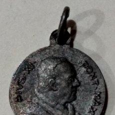 Antigüedades: ( MEDALLA PIUS XI AÑO SANTO 1933-1934 ROMA ). MÁS MEDALLAS ANTIGUAS EN MI PERFIL.. Lote 195490340
