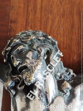 Antigüedades: GRAN CRISTO CRUCIFICADO EN METAL PLATEADO I CRUZ DE MADERA MACIZA - VER FOTOS - - Foto 11 - 195497531