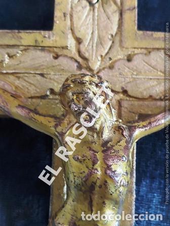 Antigüedades: ANTIGUA CRUZ DE CRISTO DE BRONCE CON SU PICA PARA EL AGUA TAMBIEN DE BRONCE -VER FOTOS- - Foto 8 - 195498301