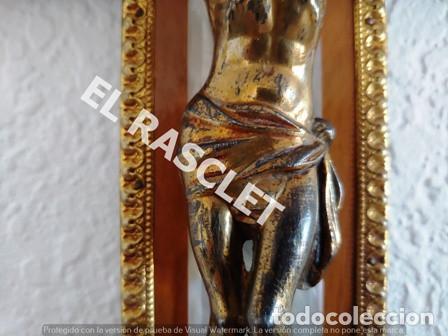 Antigüedades: ANTIGUA CRUZ DE MADERA I NACAR I CRISTO DE METAL DORADO - VER FOTOS - - Foto 9 - 195498703