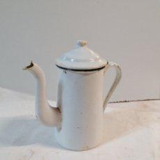 Antigüedades: CAFETERA METAL Y PORCELANA. Lote 195500461