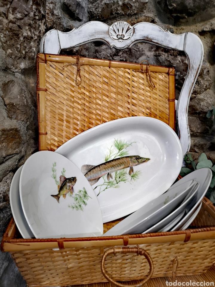 Antigüedades: Juego de platos y bandeja para pescado - Foto 2 - 195516401