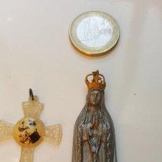 Antigüedades: ANTIGUA CRUCIFIJO RELIGIOSO Y VIRGEN MARIA AUXILIADORA. Lote 195527580