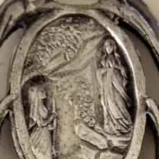Antigüedades: ANTIGUA ( MEDALLA APARICIÓN DE LA VIRGEN ). MÁS MEDALLAS ANTIGUAS EN MI PERFIL.. Lote 195532176