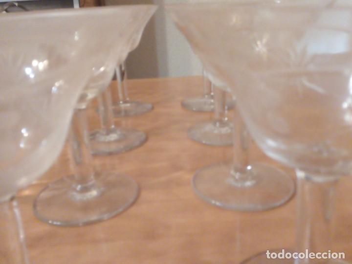 Antigüedades: Copas de coctel años 70. Grabados lagrimas y espigas. Juego 12 - Foto 4 - 195533733