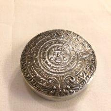 Antigüedades: PASTILLERO, CAJITA DE PLATA DE LEY MEXICO. Lote 195540562