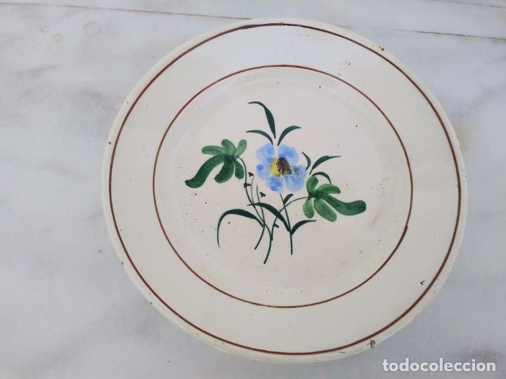 PLATO ANTIGUO CON SELLO DE MANISES PPP VALENCIA (Antigüedades - Porcelanas y Cerámicas - Otras)