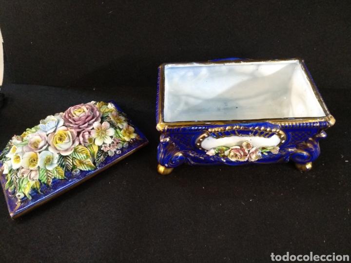 Antigüedades: Caja joyero / bombonera de porcelana Mestre. 20cm x 16cm - Foto 2 - 195543741