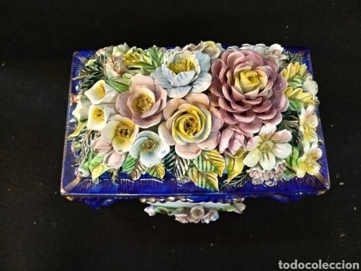 Antigüedades: Caja joyero / bombonera de porcelana Mestre. 20cm x 16cm - Foto 4 - 195543741