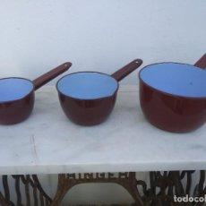 Antigüedades: ANTIGUOS CAZOS CAZUELA ESMALTADA COLOR ROJO ESMALTADO SAN IGNACIO HIERRO METAL VINTAGE CAZO . Lote 195544587