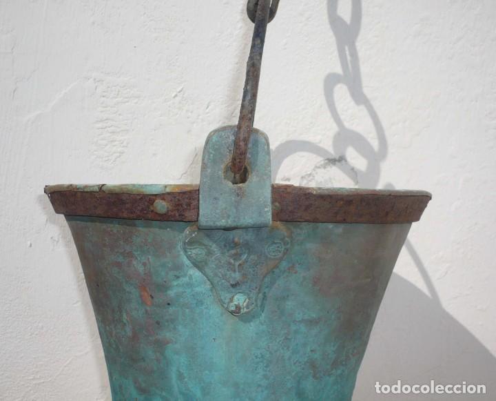 Antigüedades: Antiguo Cubo o Caldero de Cobre y Forja - Foto 3 - 194977618