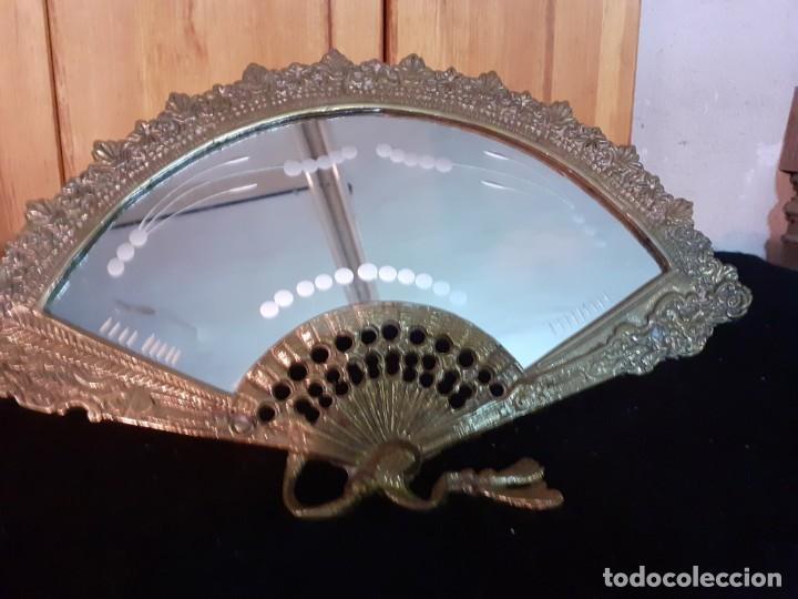 Antigüedades: Espejo bronce abanico cristal al fuego - Foto 6 - 195573457