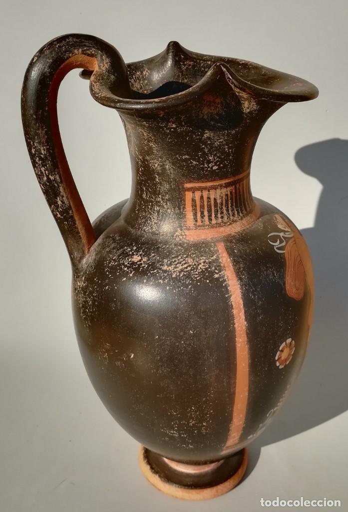 Antigüedades: OINOCHOE GRIEGA DE FIGURAS ROJAS ESTILO APULIA, APOLO Y DAFNE (REPRODUCCIÓN) - Foto 5 - 195599195