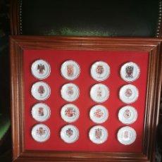 Antigüedades: CUADRO DE PLATOS DE PORCELANA DE LA MONARQUÍA ESPAÑOLA. Lote 195613058