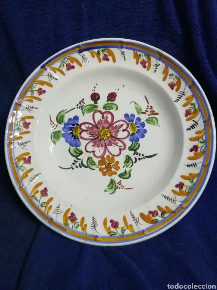 PLATO PORCELANA FLORES LARIO LORCA MURCIA (Antigüedades - Porcelanas y Cerámicas - Lario)