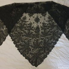 Antigüedades: MAGISTRAL PICO-MANTILLA ANTIGUO DE CAMBRAY CON DIBUJO CHANTILLY. Lote 195720422