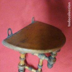 Antigüedades: ANTIGUA PEANA ESTANTE BALDA DE MADERA DE FRUTAL. Lote 195778415