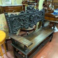 Antiquités: BANCO TALLADO ESTILO ESPAÑOL. Lote 195808856
