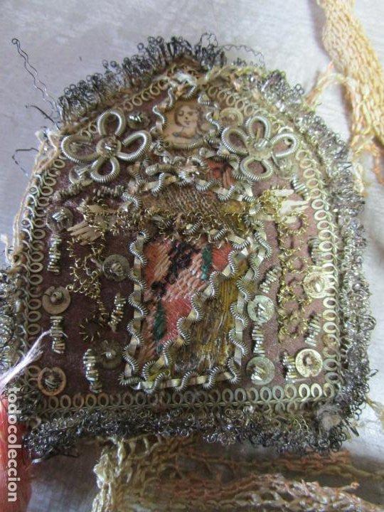 Antigüedades: Escapulario Virgen del Carmen - Relicario - Bordado en Hilo Metálico de Plata - S. XVII-XVIII - Foto 7 - 195971945