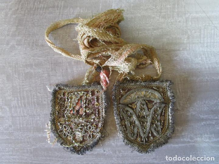 Antigüedades: Escapulario Virgen del Carmen - Relicario - Bordado en Hilo Metálico de Plata - S. XVII-XVIII - Foto 10 - 195971945