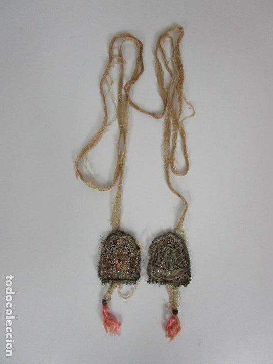 Antigüedades: Escapulario Virgen del Carmen - Relicario - Bordado en Hilo Metálico de Plata - S. XVII-XVIII - Foto 15 - 195971945