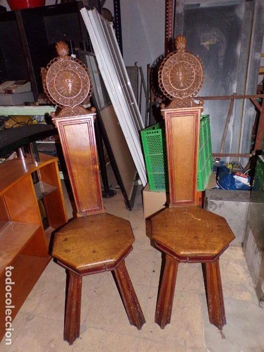 PAR DE SILLAS IGLESIA RELIGIOSO TEMPLOS (Antigüedades - Muebles Antiguos - Sillas Antiguas)
