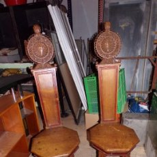 Antigüedades: PAR DE SILLAS IGLESIA RELIGIOSO TEMPLOS. Lote 195991316