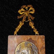 Antigüedades: BENDITERA MODERNISTA DEL SIGLO XIX - MARMOL - BRONCE - CHAPADOS EN ORO - CRISTAL -. Lote 196079011