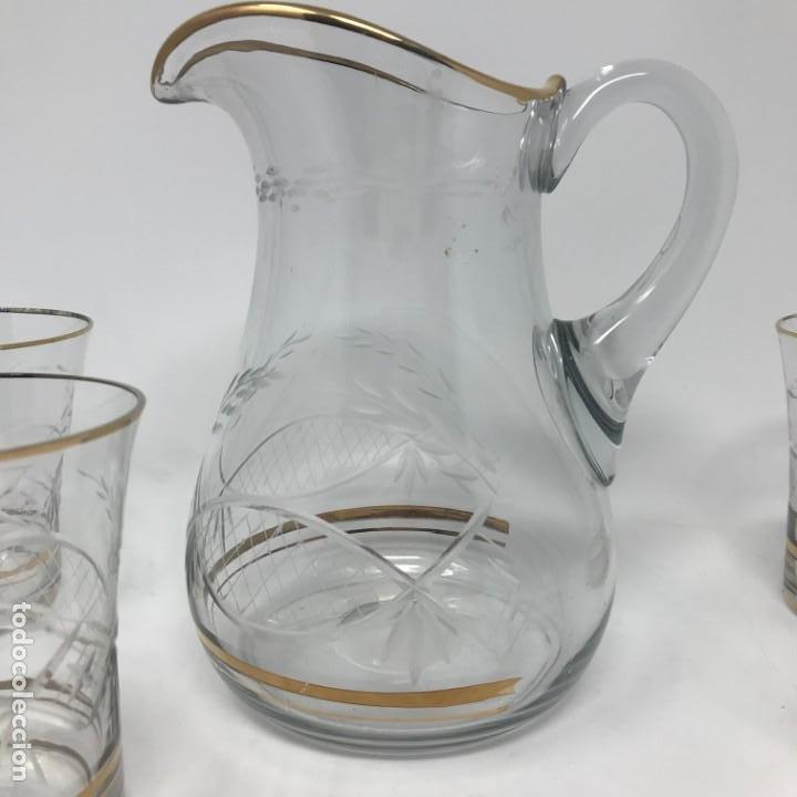 Antigüedades: Conjunto de jarra y vasos en cristal de bohemia - Foto 3 - 196109341