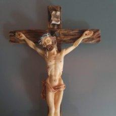 Antigüedades: CRUCIFIJO DE JESUS 16 CM RESINA. Lote 196131112