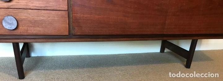Antigüedades: Aparador de teca 180 cm largo danés súper único diseño - Foto 7 - 194126180