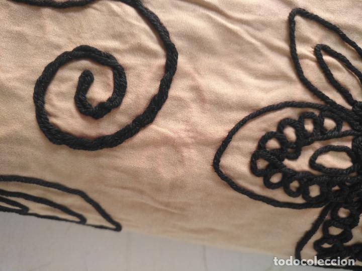 Antigüedades: raro bordado mecanico relieve cordon 126 x 135 x 140 ideal manton confecciones semana santa fallera - Foto 32 - 196110481