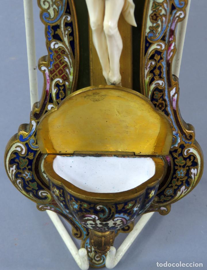 Antigüedades: Benditera de piedra onix con crucifijo en bronce y filos en esmalte cloisonne Francia siglo XIX - Foto 8 - 196189067