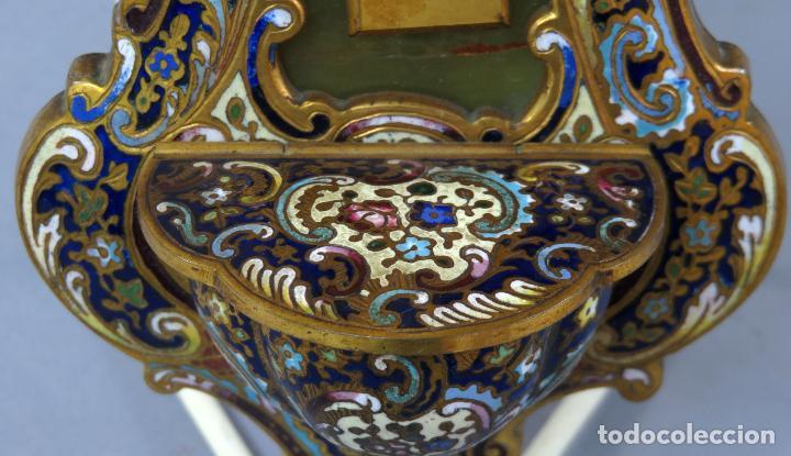 Antigüedades: Benditera de piedra onix con crucifijo en bronce y filos en esmalte cloisonne Francia siglo XIX - Foto 9 - 196189067